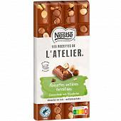 Nestlé Les Recettes de L'Atelier tablette de chocolat au lait et noisettes entières torréfiées 170g