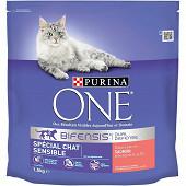 PURINA ONE Chat Sensible Croquettes pour chat adulte au Saumon et au Riz - 1,5 KG