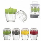 Presse-citron avec réservoir